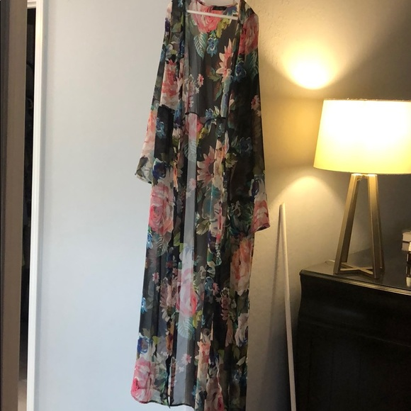 Honey Punch Tops - Floor length floral kimono